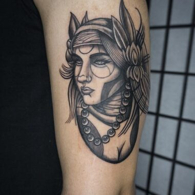 tucker-charlotte-tattoo-artist-3